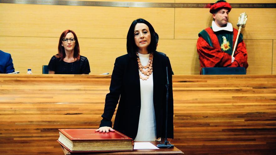 Rebeca Torró, en su toma de posesión del acta de diputada provincial