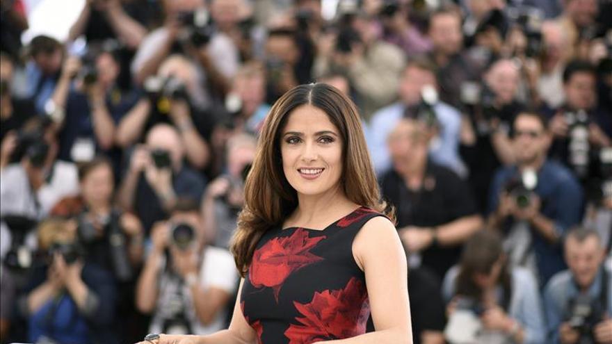 Hayek, el selfi de Cannes