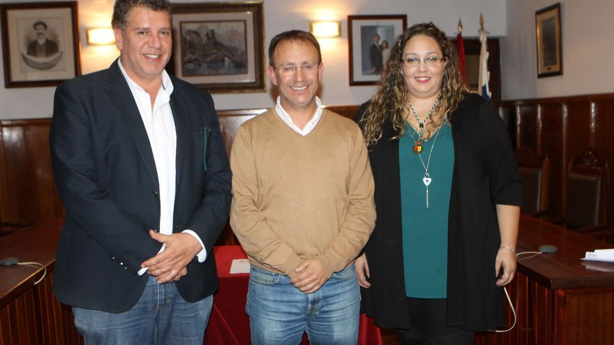 Andrés Carmona (i), Sergio Rodríguez y Esther Nazco.