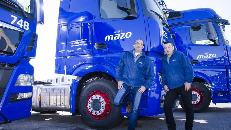 Los hermanos Manuel y Juan Antonio Fernández, trabajadores del grupo Mazo