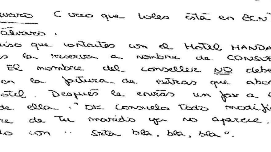Anotación de una trabajadora de Sakvitur SL pidiendo que se eliminara el nombre de Rafael Blasco de una factura