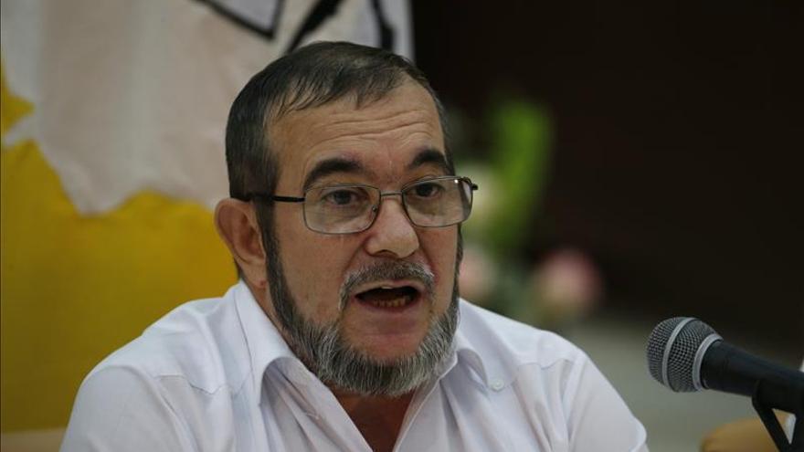 """El líder de las FARC rechaza """"plazos fatales"""" en los temas pendientes en el proceso de paz"""