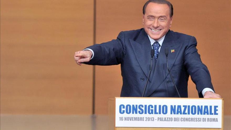 Berlusconi revive Forza Italia, pero sufre la escisión de su delfín, Alfano