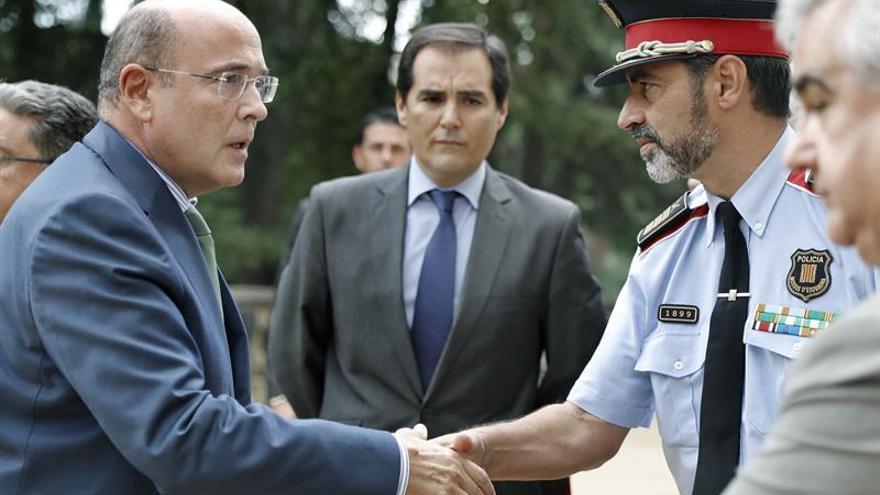 Policía, Mossos y G.Civil siguen el dispositivo del 1-O en la Delegación del Gobierno