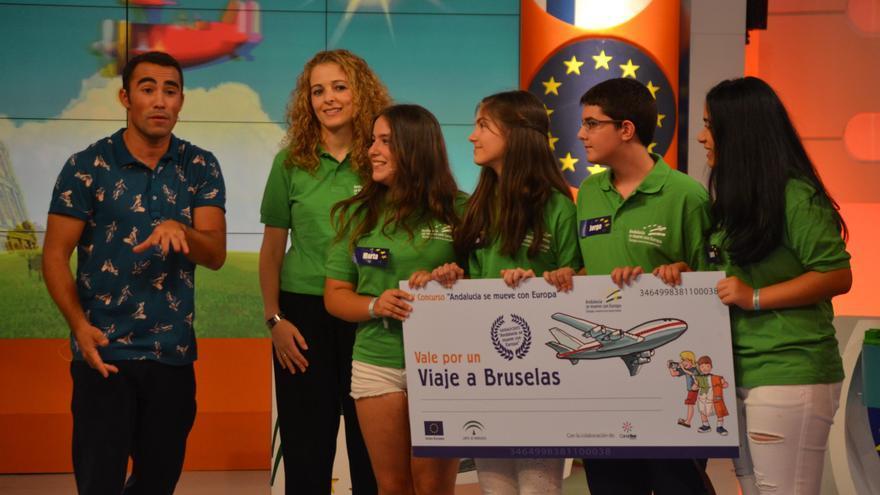 El IES Carmen de Burgos de Almería, ganador del IV concurso 'Andalucía se mueve con Europa'