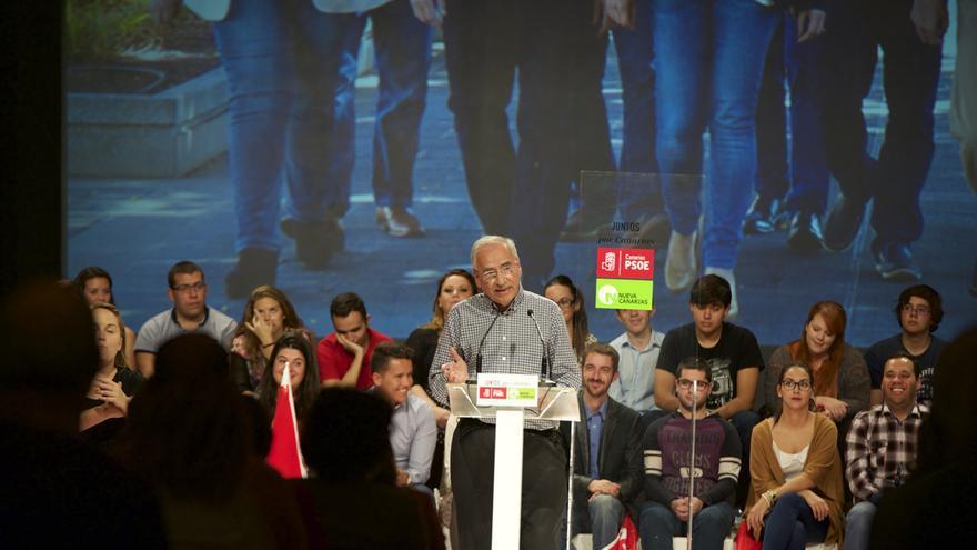 Alfonso Guerra en su mitin en Adeje