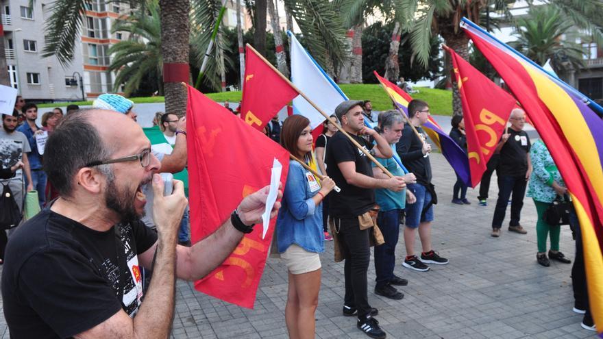 Manifestación en Las Palmas de Gran Canaria para pedir la dimisión de Rajoy