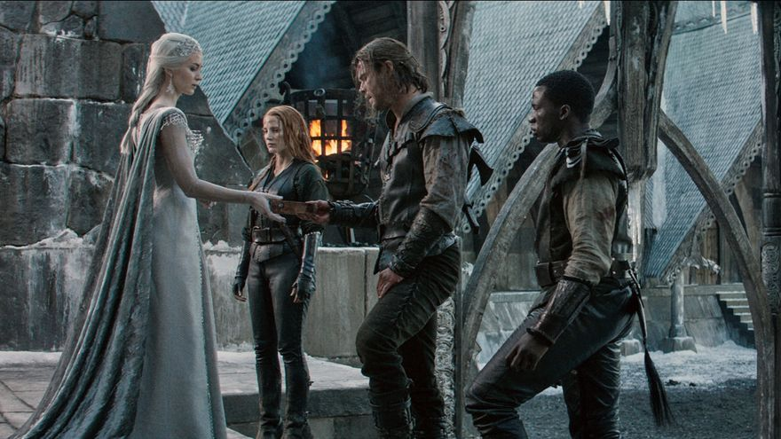 Fotograma de la película El cazador y la Reina del Hielo