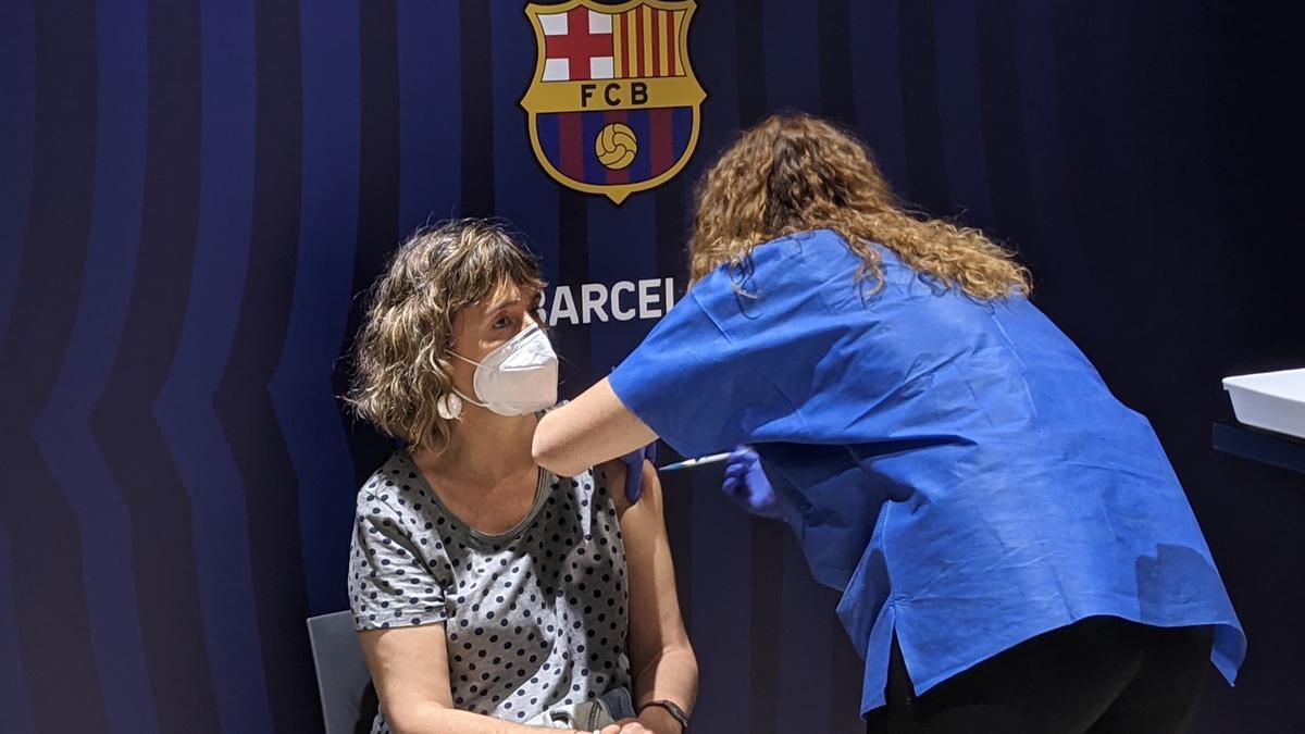 Vacunación en la Sala Berlín del Camp Nou