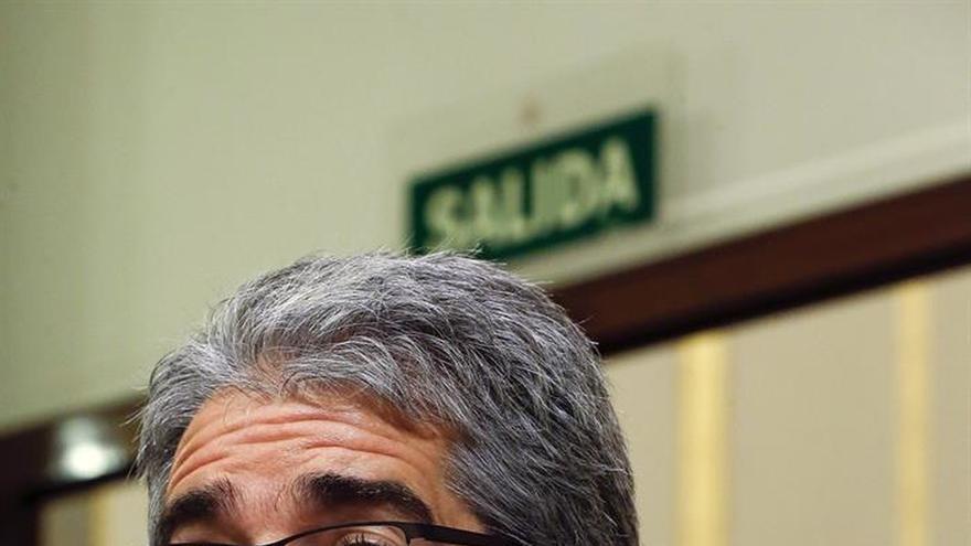 Homs ve de guasa que rey emérito despida a Castro junto a la líder de la CUP
