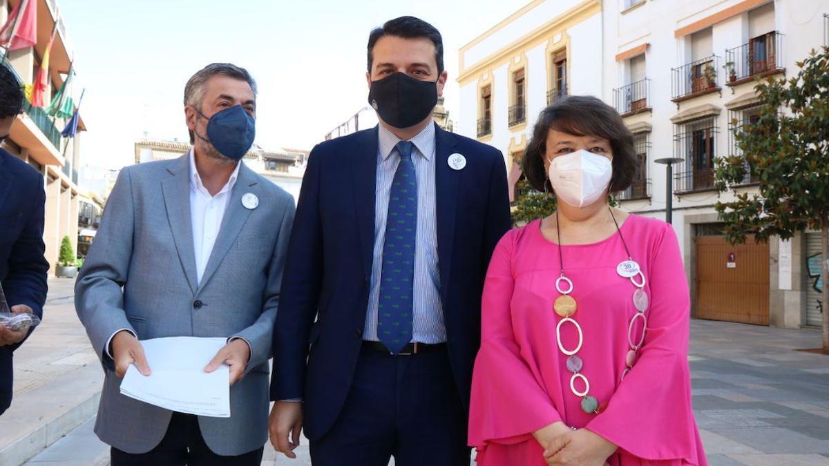 El delegado de Seguridad, Miguel Ángel Torrico, el alcalde José María Bellido, y la subdelegada del Gobierno, Rafaela Valenzuela