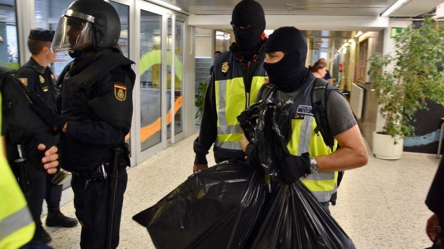 Ciudadanos propone una condecoración para los policías y guardias civiles del dispositivo en Cataluña