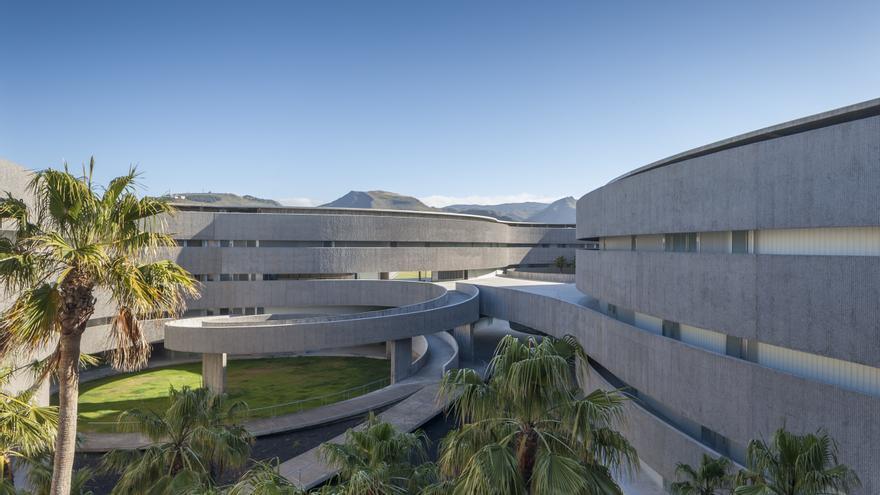Edificio de la Facultad de Bellas Artes de la ULL./ CEDIDA