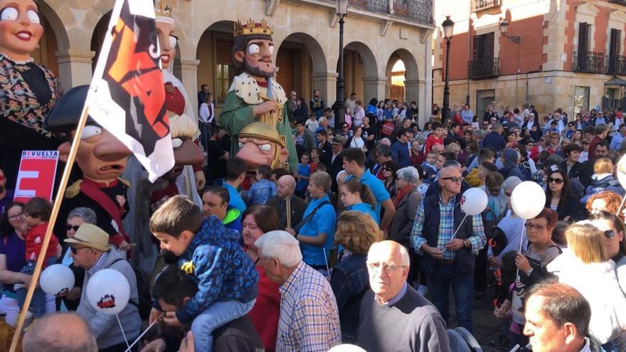 Unas 500 personas se han manifestado en Soria este viernes.