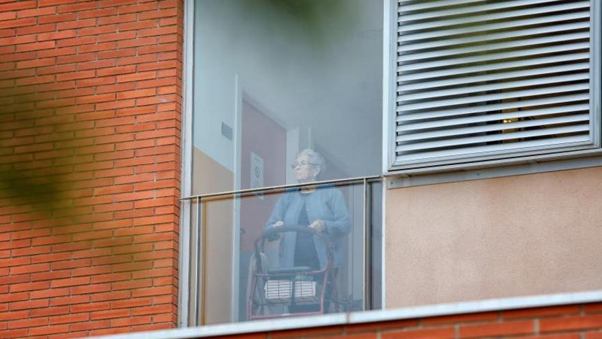 """Mayores en residencias: Hartos de estar """"encerraditos"""", de la habitación al baño"""