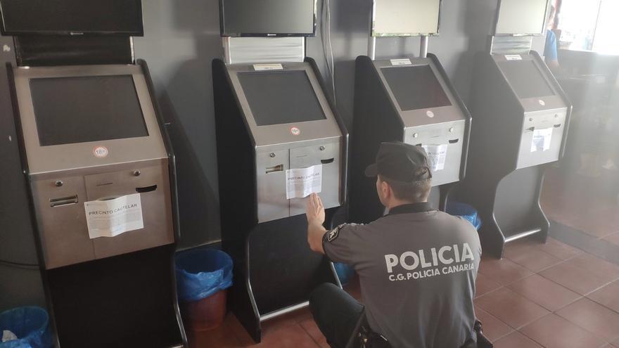 Imagen del local de apuestas ilegales precintado en Gran Canaria