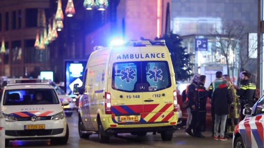 Varias personas heridas por apuñalamiento en una calle comercial en La Haya