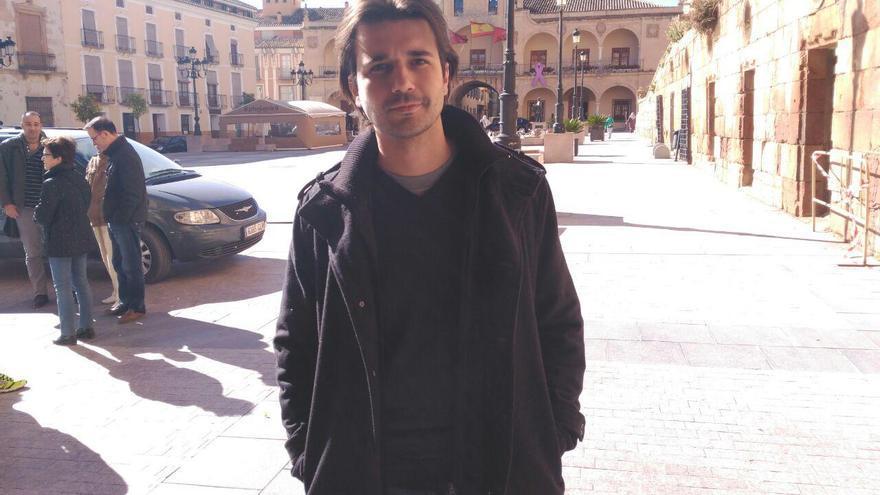 El cabeza de lista de Podemos por la Región, Javier Sánchez Serna, ha visitado Lorca