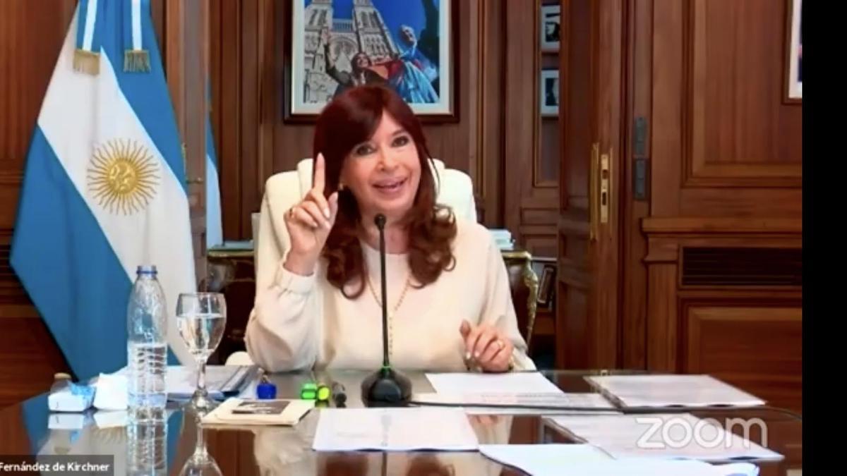 La vicepresidenta expuso desde su despacho en el Senado y recriminó a los jueces que no se le haya permitido asistir personalmente a la audiencia.