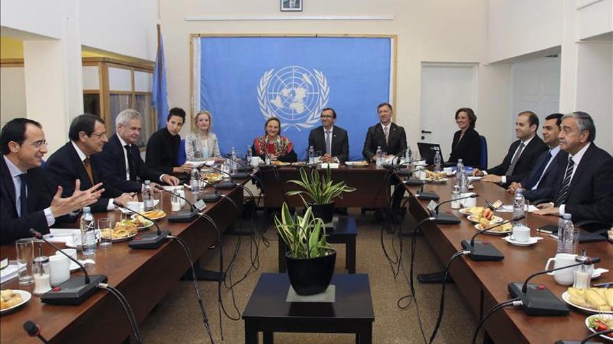 Los líderes de Chipre reabren el diálogo de paz de cara a la reunificación