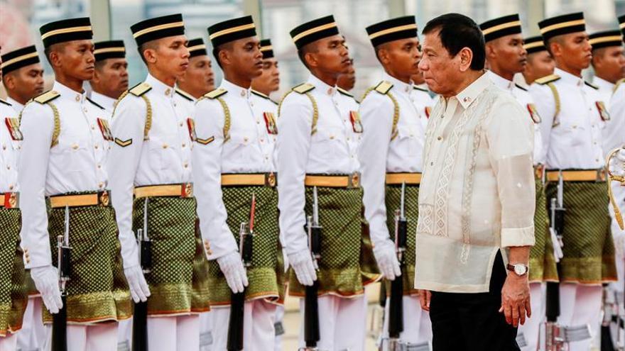 Duterte deja a Malasia entrar en aguas filipinas para perseguir terroristas