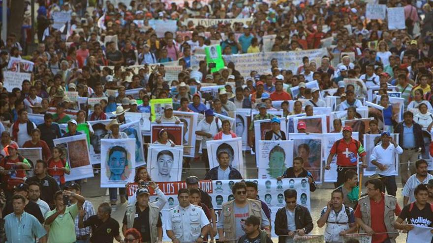 """EE.UU. pide que los culpables del caso Iguala sean """"castigados"""" y ofrece ayuda a México"""