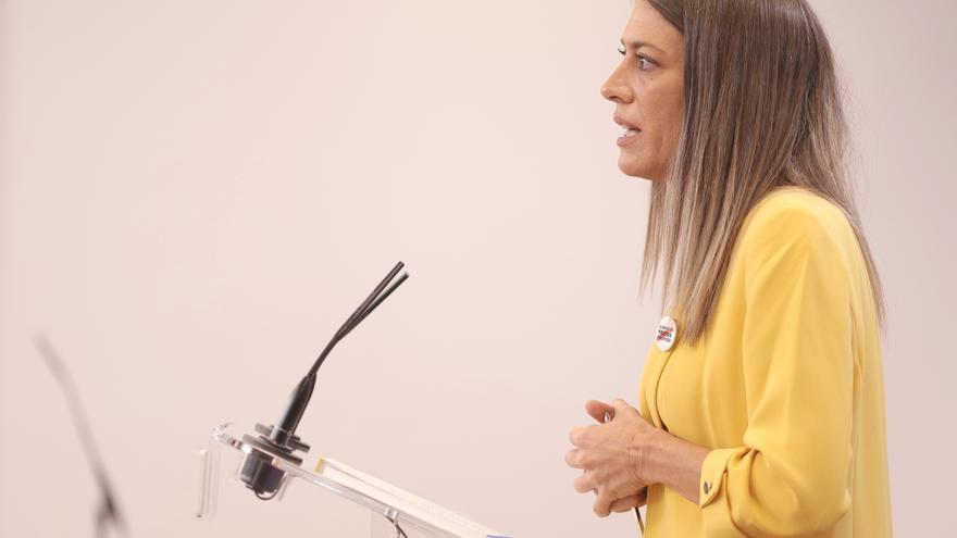 La portavoz de Junts per Catalunya, Miriam Nogueras, interviene en una rueda de prensa