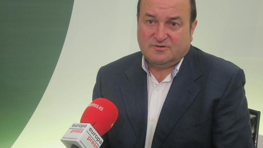 """Ortuzar cree que Torres-Dulce """"se saca de la manga"""" procedimientos para querellarse contra Mas"""