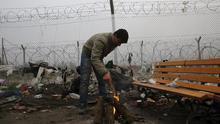 Los refugiados de Idomeni mantienen firme su decisión de cruzar la frontera a Macedonia