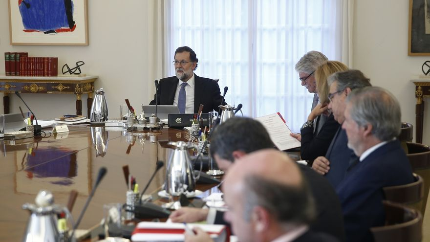 Moncloa no comenta el envío a prisión de Junqueras y exconsejeros y dice que las decisiones judiciales se respetan