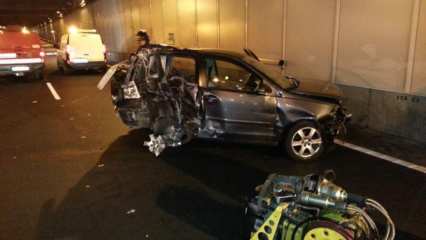 Aparatoso accidente en el túnel de San José #5