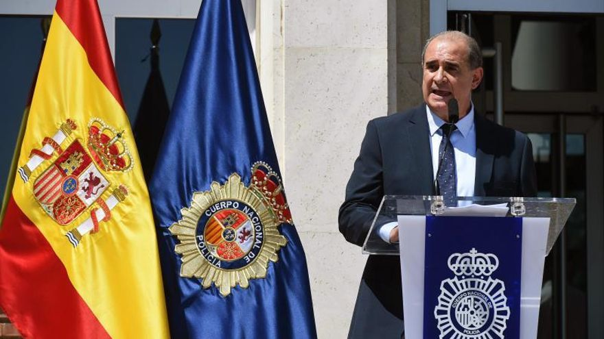 La Policía Nacional concede la medalla de plata a los padres de la Constitución