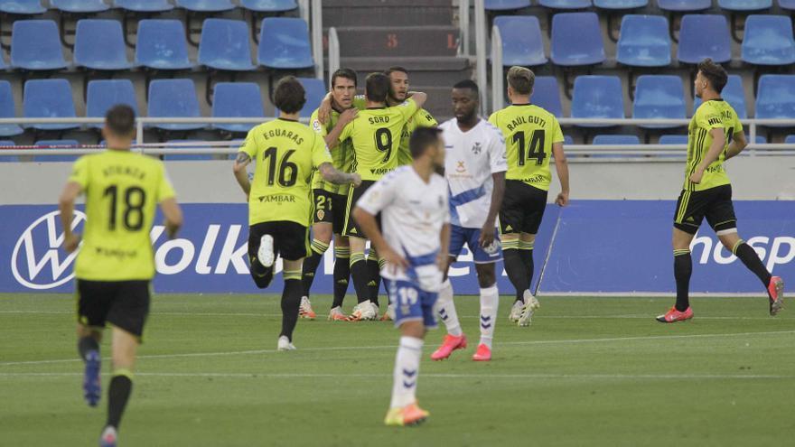 El Tenerife solo empata con el Zaragoza y se complica el acceso a la promoción