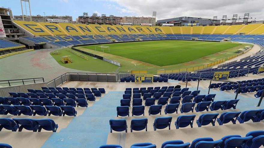 Gradas vacías del Estadio de Gran Canaria.