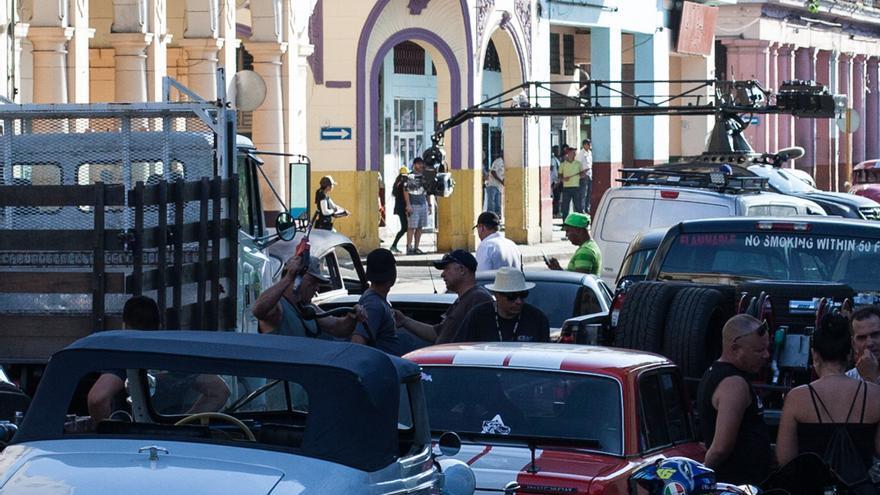 La Habana se ha convertido fugazmente en un inmenso plató, una escenografía inédita para que los superhéroes de Hollywood se desplacen con exceso de velocidad permitida