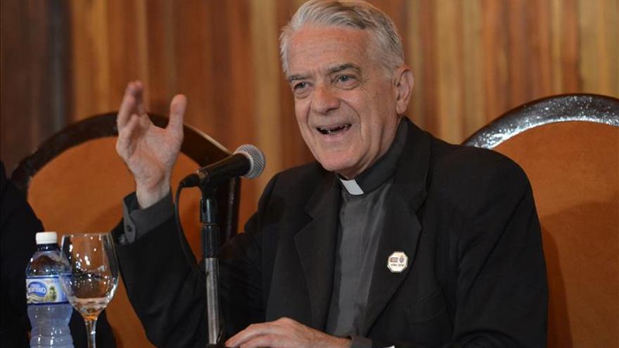 """Vaticano dice que atentados de París son """"un ataque a la paz de la humanidad"""""""