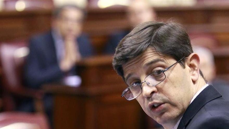 El consejero de Economía y Hacienda del Gobierno de Canarias, Javier gonzález Ortiz. EFE/Cristóbal García.