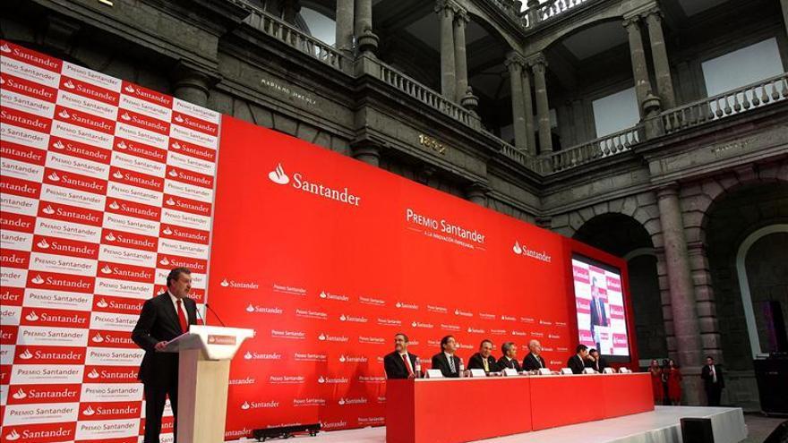 Santander México comprará cartera crediticia por unos 300 millones de dólares