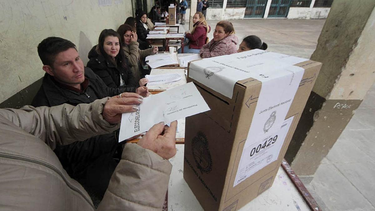 Nuevas condiciones para votar de acuerdo a la situación sanitaria por la pandemia del coronavirus.