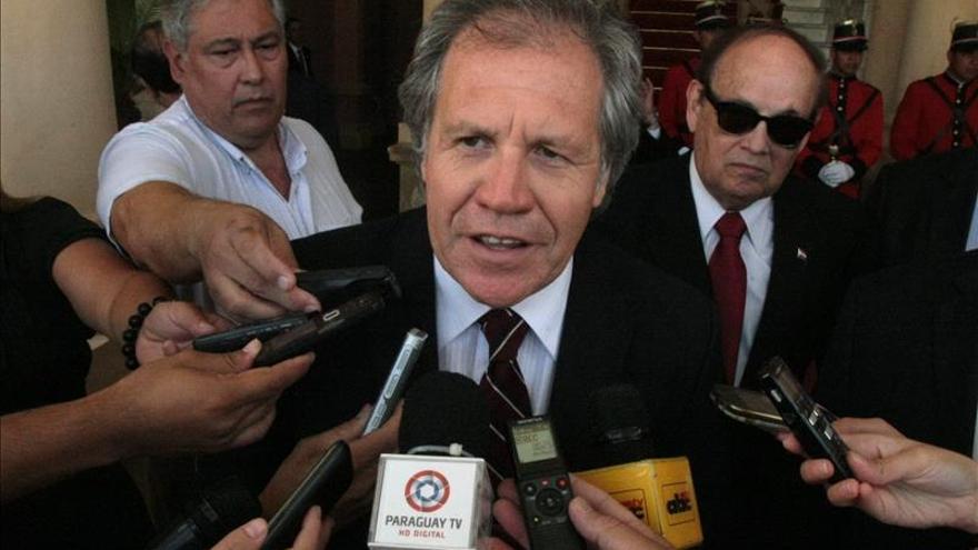 """Almagro promete buscar una forma """"viable"""" para el reingreso de Cuba en la OEA"""