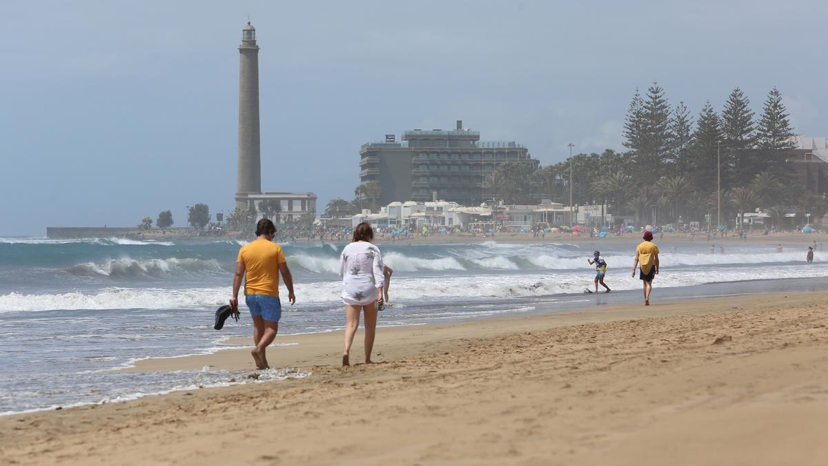 Playa de Maspalomas esta Semana Santa. (ALEJANDRO RAMOS)