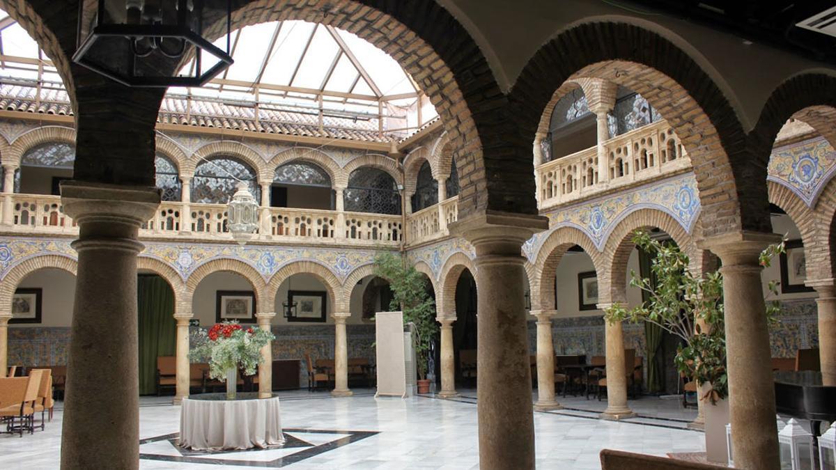 Patio interior del Círculo de la Amistad.