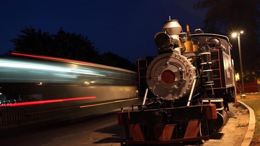 Empresas de Cuba y Rusia firman un acuerdo de compra y reparación de locomotoras