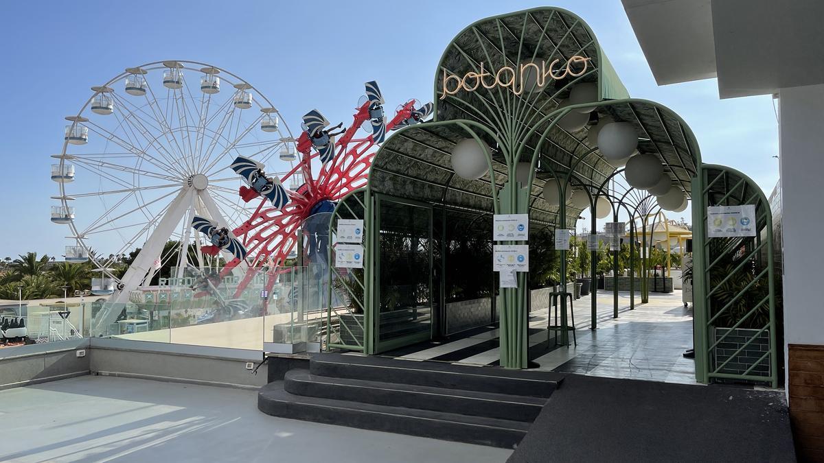 Terraza Botánico, en el parque de atracciones Holiday World