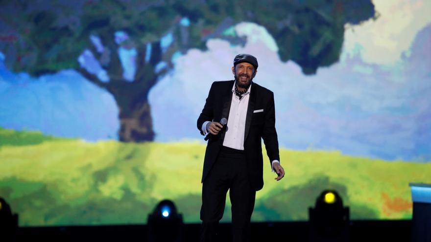 Los Latin Grammy homenajean a Julio Iglesias, Juan Luis Guerra y Roberto Carlos