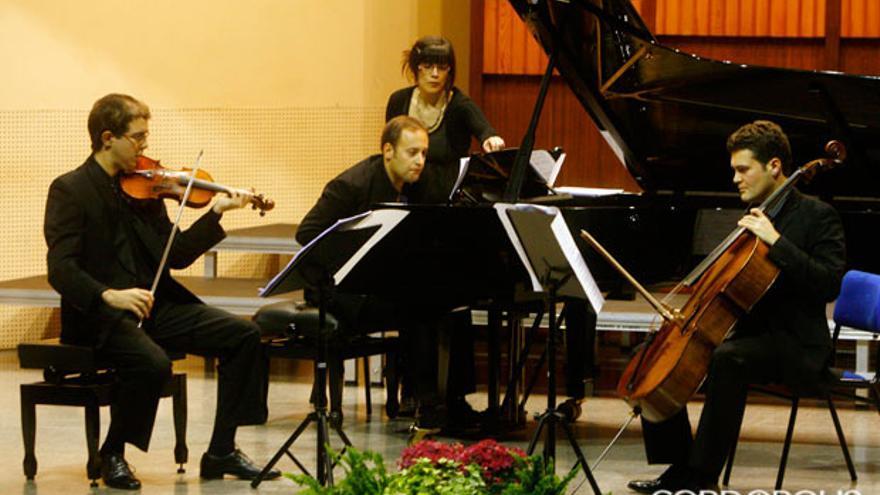 Concierto en el Conservatorio de Música   MADERO CUBERO