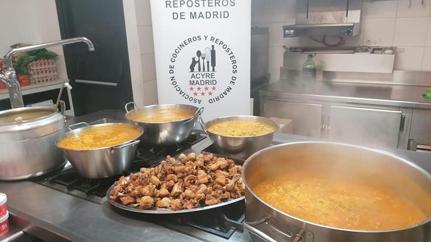 Cocinas de voluntarios para repartir comida a quienes la necesiten en Madrid