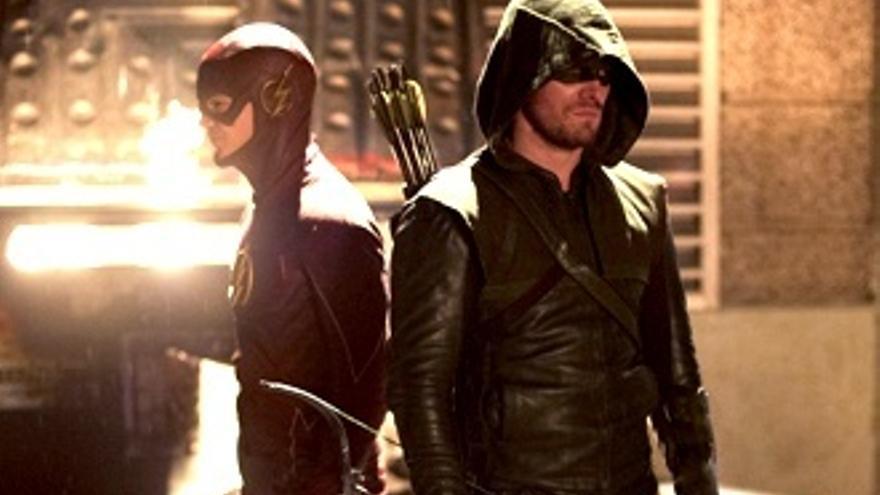 El 'crossover' de 'Flash' (14.7%) y 'Arrow' deja aún peor a Resines (6.5%)