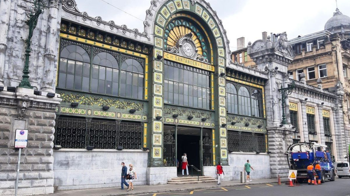 Estación de la Concordia en Bilbao, parada del tren que une la capital con Santander