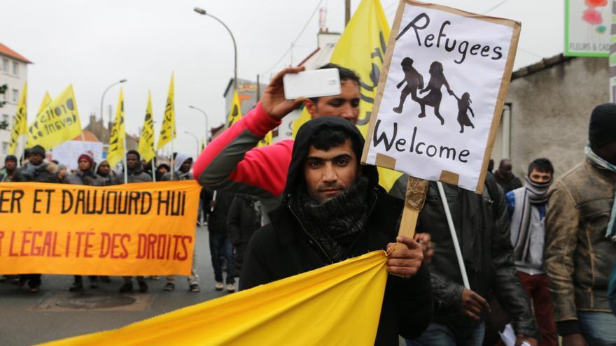 Manifestación en Calais en solidaridad con los refugiados / Luna Gámez